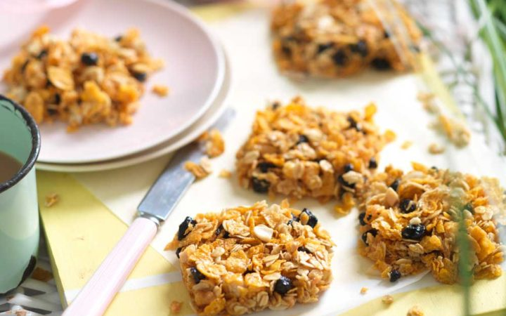 peanut-butter-blueberry-snack-squares