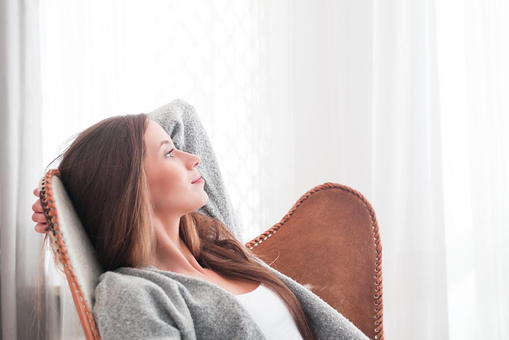 women daydreaming