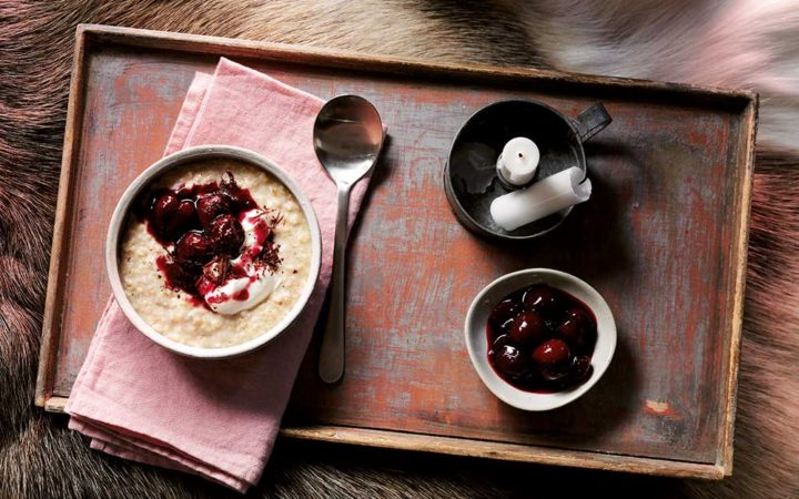 oat porridge with chocolate and cherry compote to sleep better