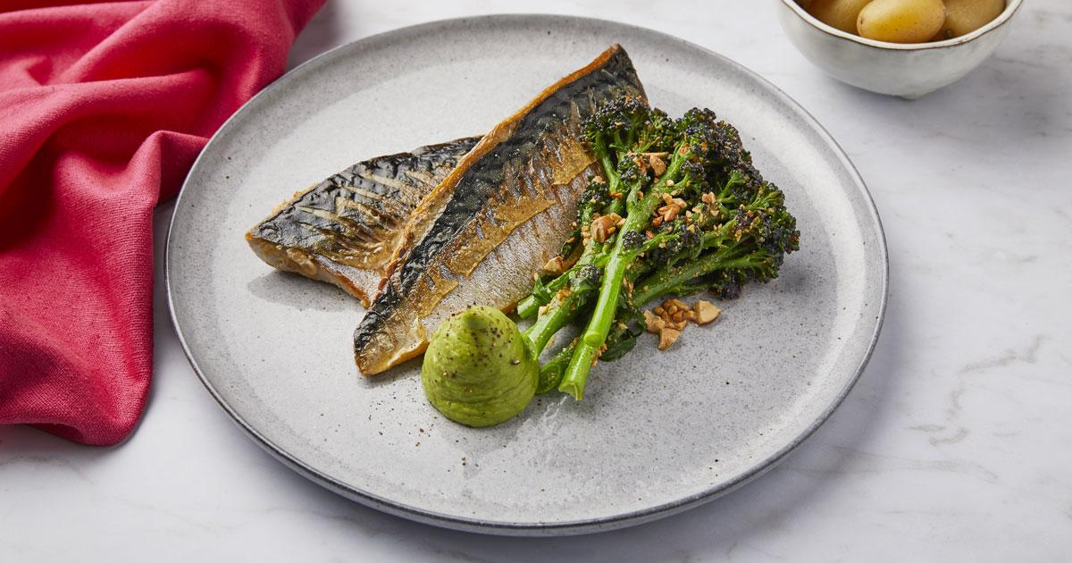 Mackerel with broccoli salad