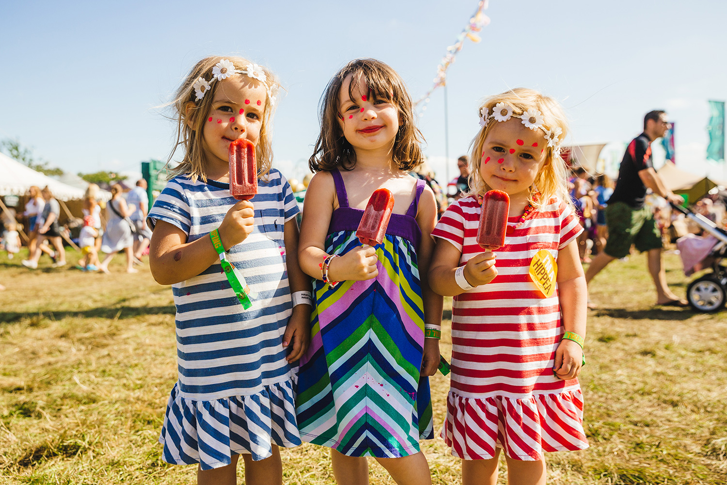 three girls with ice lollies
