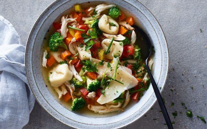 Chicken, broccoli & tortellini soup